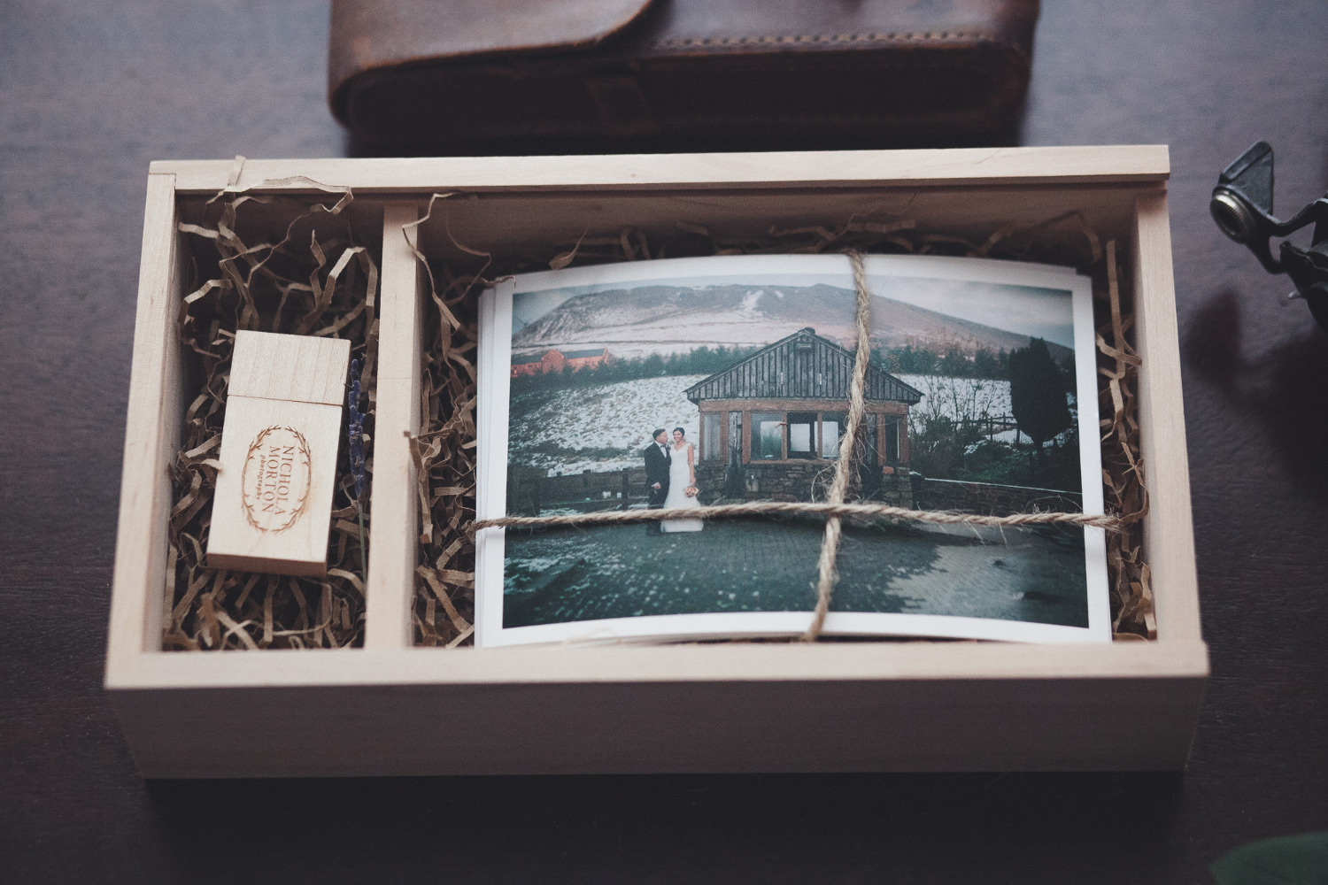 Wooden box for photographers for 6x4 prints