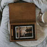 Lay flat photo box