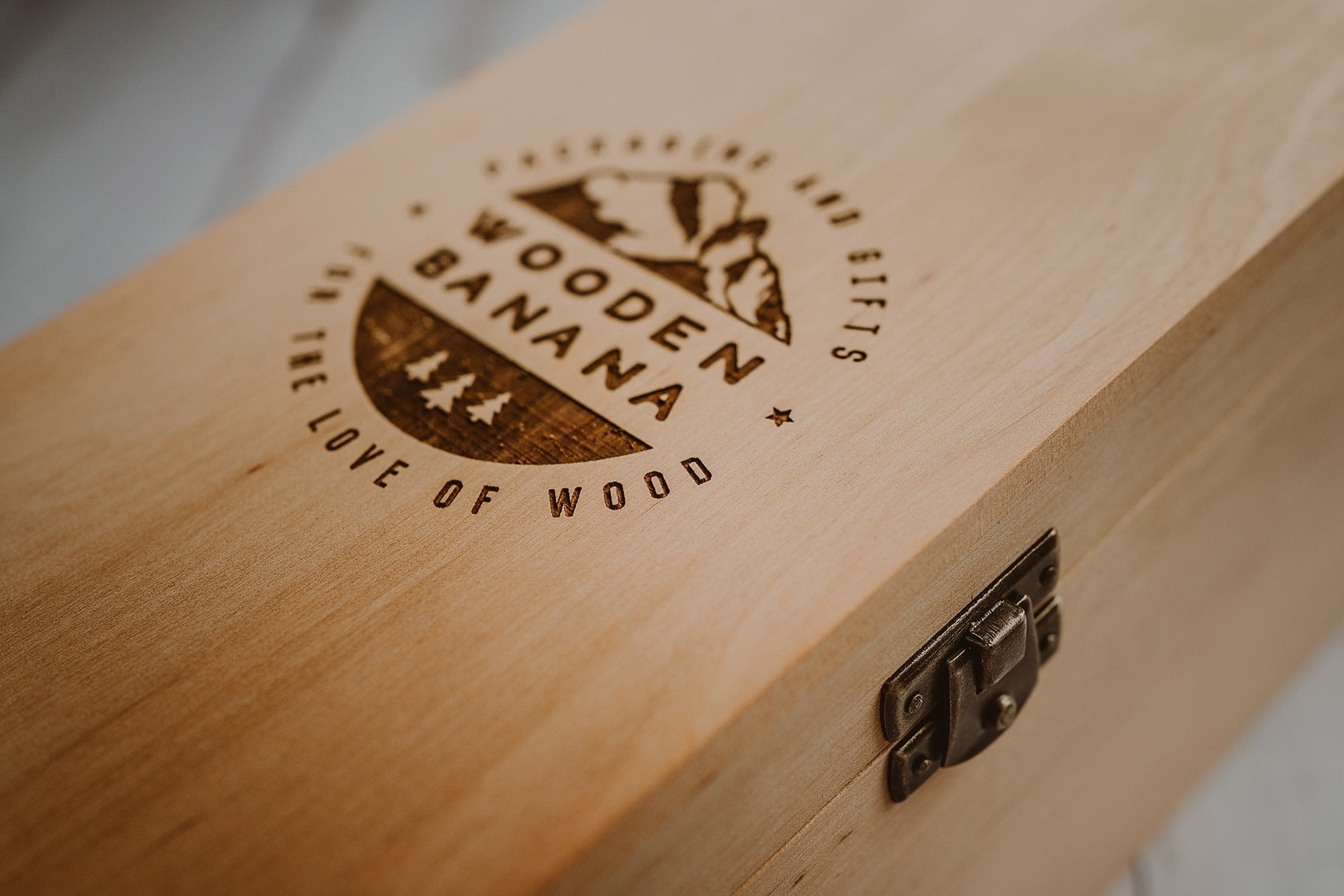 Personalised wine box 7